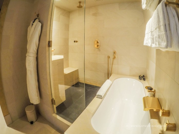 Where to Stay in Paris- 5-Star Hotel and Affordable Accommodations Park Hyatt Paris-Vendome Park Deluxe Suite bathroom