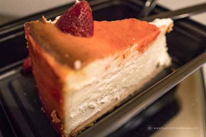 Las Vegas Travel Hack Using myVEGAS Rewards and Hotel Comps Complimentary Cheesecake at Carniege Deli Mirage