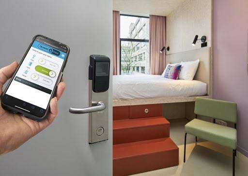 Hotels nemen afscheid van de keycard en informatiemap
