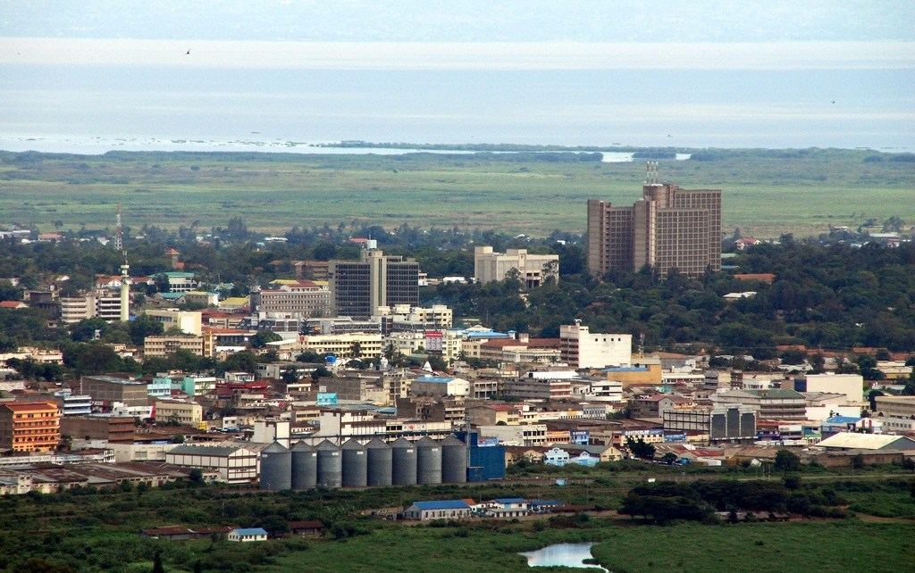 People who have encroached on road reserves and sewer lines have been put on notice as Kisumu gears up for a major facelift.