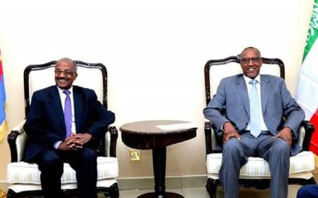Eritrea foreign minister Osman Saleh (Left) and Somaliland president Musa Bihi at Somaliland presidential palace