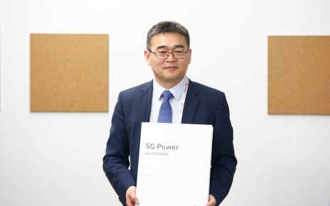 Fang Liangzhou, Vice President of Huawei Network Energy Product Line, released the 5G Energy White Paper at MWC2019.