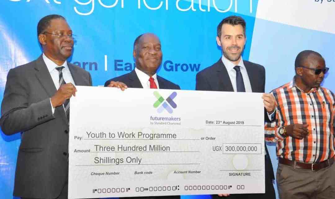 Standard Chartered Bank in partnership with Challenges Uganda has launched a 6-month youth employability programme under its Futuremakers initiative valued at Ugx 300,000,000.