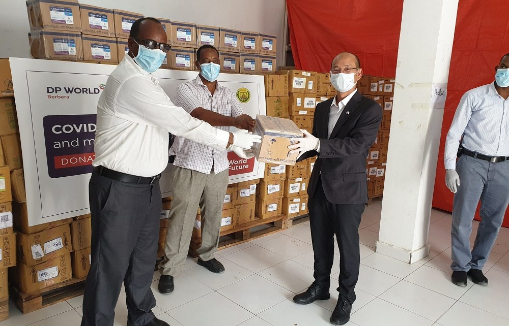 DP World, the logistics solutions company rebuilding the Somaliland Port of Berbera has handed the country a major boost in the fight against the COVID-19 with medical supplies.