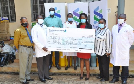 Standard Chartered Bank in partnership with Brien Holden Vision Institute (BHVI) has made a donation of Personal Protective Equipment worth Ugx 74 million to Mubende Regional Referral Hospital to support the community in the fight against COVID 19.