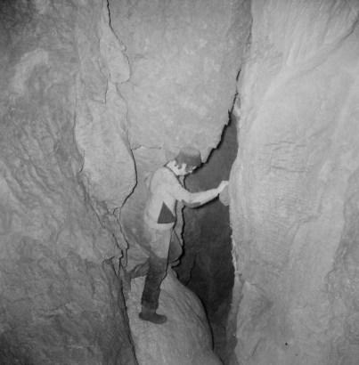 Prime esplorazioni al Ramo delle Cascate: inizio ramo (foto Enrico Gleria)