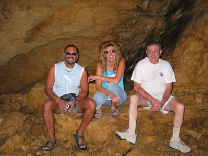 Turisti nel Ramo Principale, con Damiano Sfriso, simona Tuzzato e Pier Giorgio Varagnolo alla festa GSM 2004 (foto archivio GSM)