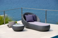 Circle Chaise: the geometry of lying in the sun