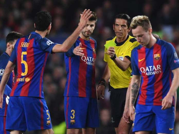 Deniz-Aytekin-And-Barcelona-Players