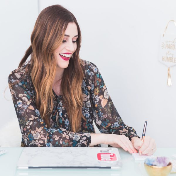 How to Create a Monthly Budget (+ free money tracker)