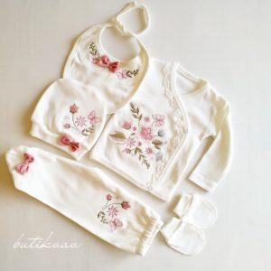 Çiçek Nakışlı Kız Bebek 5li Hastane Çıkışı 0 3 Ay 01 - Kız Bebek Çiçek Nakışlı 5'li Hastane Çıkışı 0-3 ay