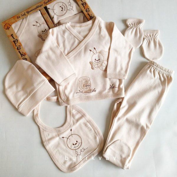 gaye bebe fiyonk suslemeli kiz bebek 5 li hastane cikisi 01 scaled - İpeksi Natural Unisex 5'li Hastane Çıkış Seti