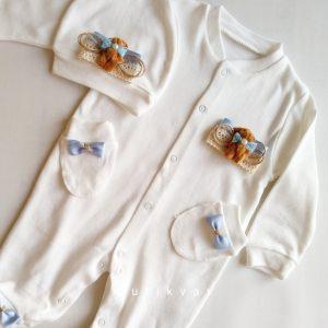 Erkek Bebek Kral Taç Süslemeli Hastane Çıkışı 1 3 ay 01 scaled - Sevimli Ayıcık Süslemeli Yenidoğan Hastane Çıkışı 0-1 Ay