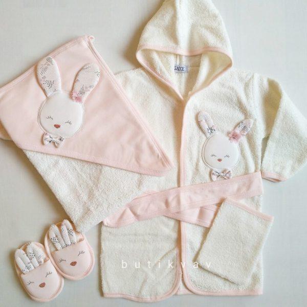 Gaye Bebe Kız Bebek Tavşanlı Bornoz Seti pudra 02 scaled - Gaye Bebe Kız Bebek Tavşanlı Bornoz Seti - pudra
