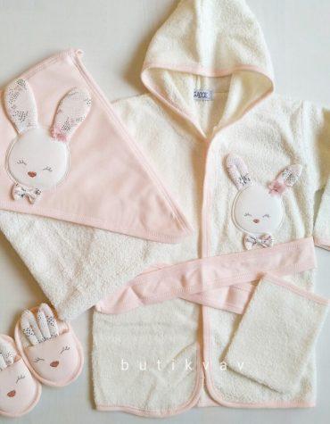 """Gaye Bebe Kız Bebek Tavşanlı Bornoz Seti pudra 02 scaled - """"Halam beni seviyor"""" Bebek Önlüğü - Mavi"""