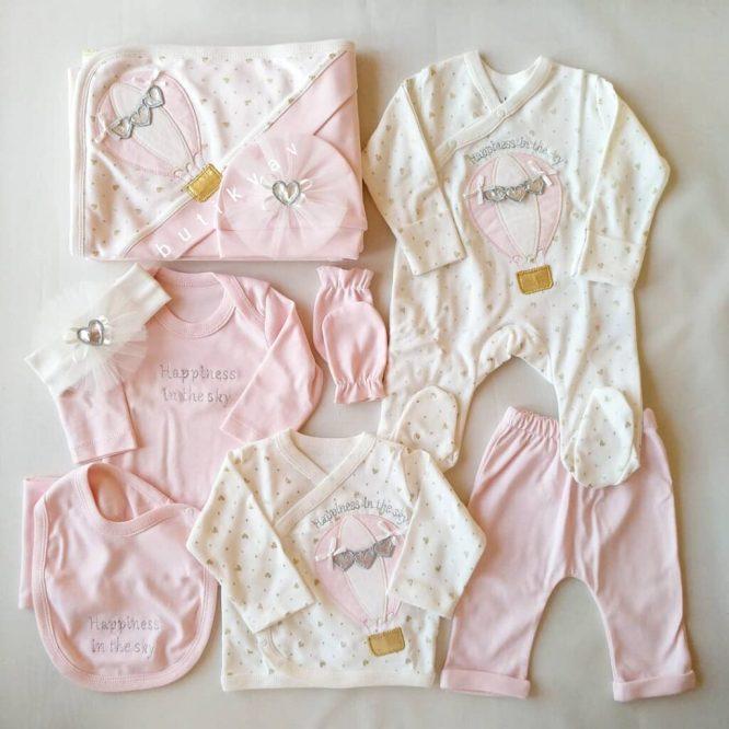 gaye bebe kiz bebek kelebek suslemeli 10 lu hastane cikisi 02 scaled - Eda Baby Balonlu Lux 10'lu Hastane Çıkışı Pembe