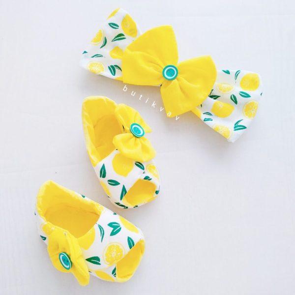 yenidogan kiz bebek tavsanli pelus panduf 01 scaled - Kız Bebek Limonlu Patik & Saç Bandı Seti