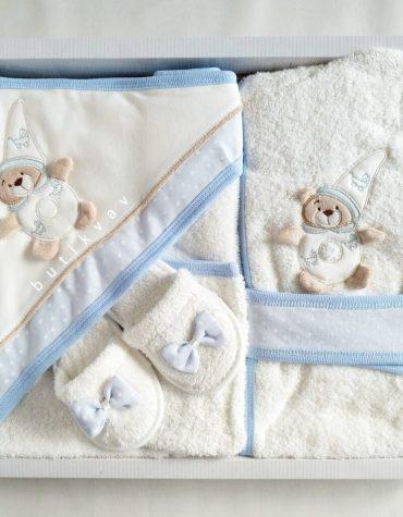 bebitof erkek bebek bulut baskili bornoz seti lacivert 01 scaled - Erkek Bebek Ayıcık Motifli Bornoz Seti Mavi
