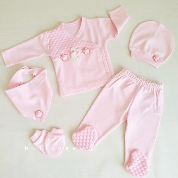 kiz bebek ponponlu tavsan 5 li hastane cikisi 01 scaled - Kız Bebek Ponponlu Tavşan 5'li Hastane Çıkışı