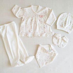 bebelinna cicek desenli hastane cikis seti beyaz 01 scaled - Bebelinna Çiçek Desenli Hastane Çıkış Seti - Beyaz