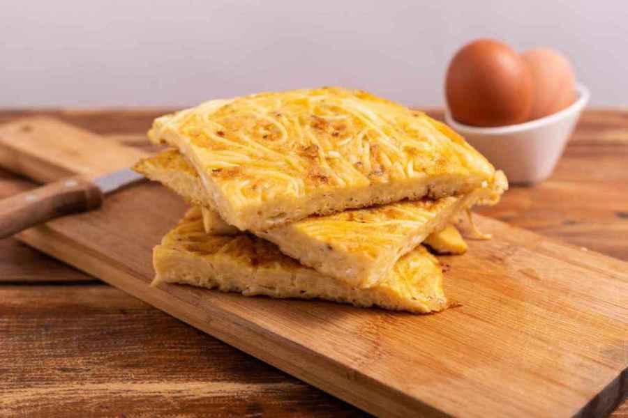 fette di frittata di pasta
