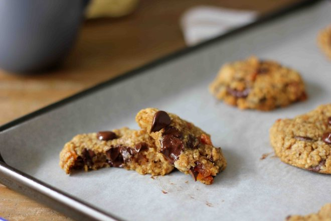 Oatmeal, Macadamia, Chocolate Chip and Apricot Cookies | Butter Baking