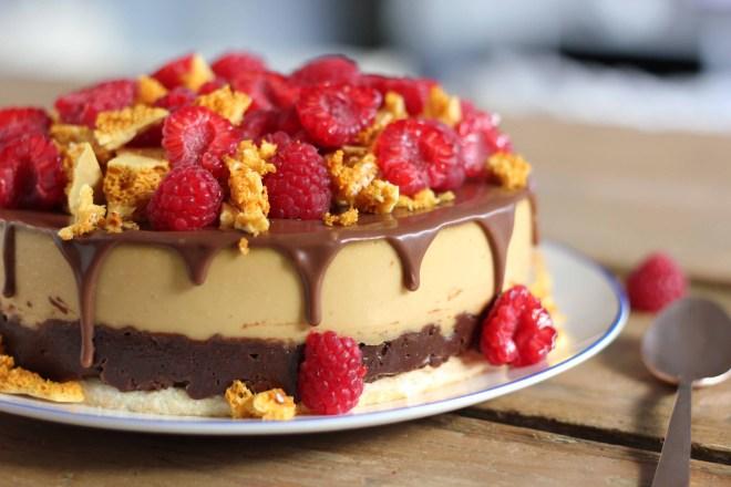 Caramel brûlée, chocolaté, honeycomb and raspberry gateau | butter baking