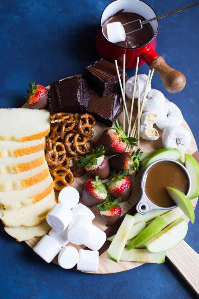 How To Make An Easy Dessert Board