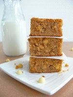 Banana Biscoff White Chocolate Chip Blondies