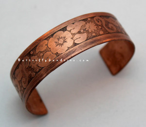This etched floral cuff took design elements from the sketches and doodles of my artistic roots and brought them into the form of jewelry design.