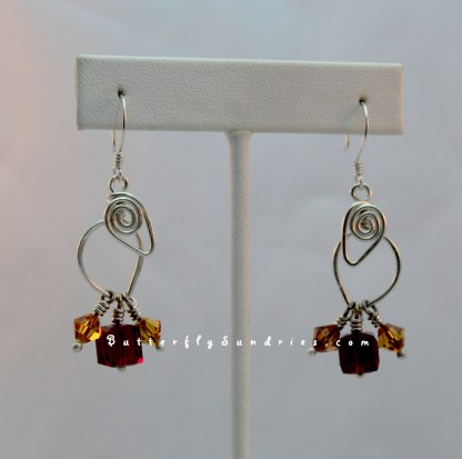 TLEwSC Siam and Topaz Hanging on White
