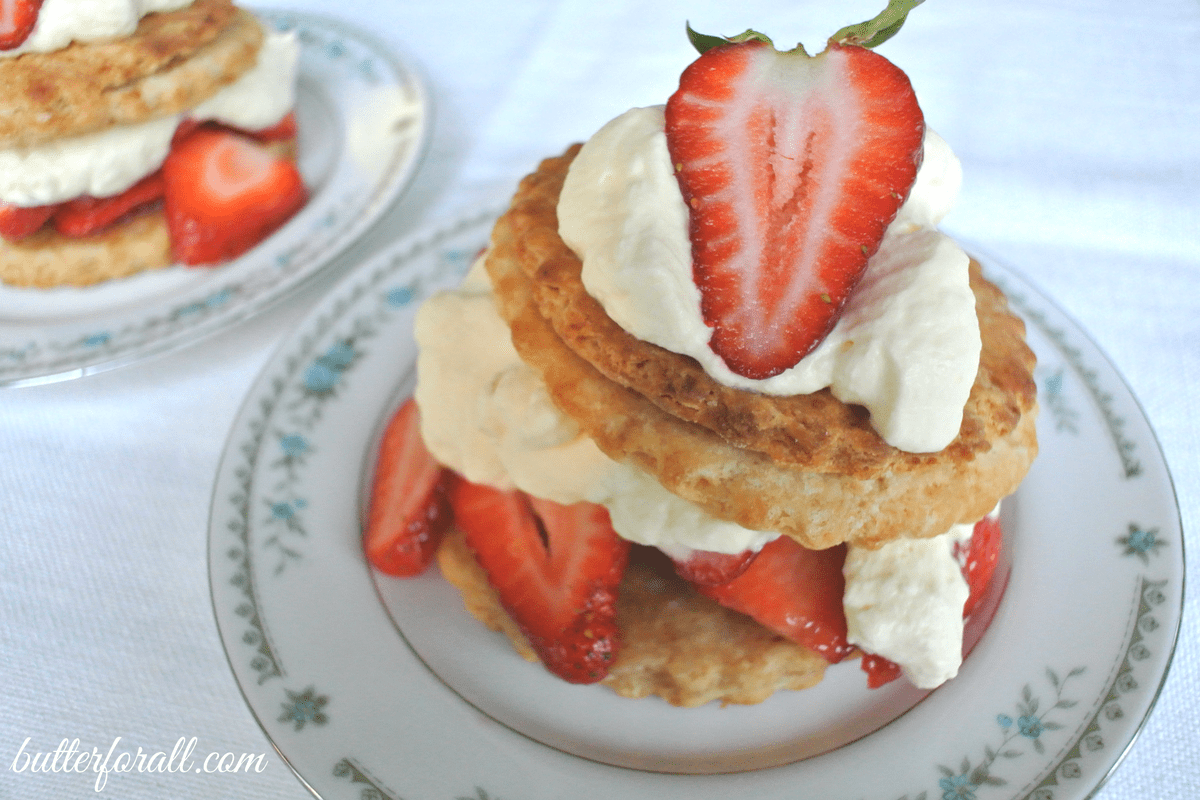 Sour Cream Shortcakes With Strawberries And Whipped Cream