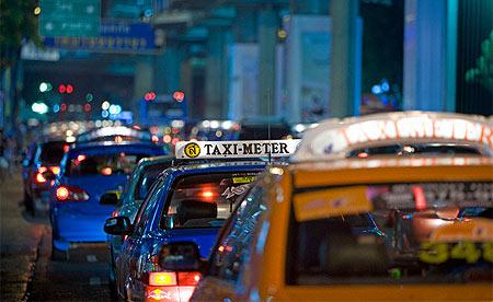 taxi bangkok by night