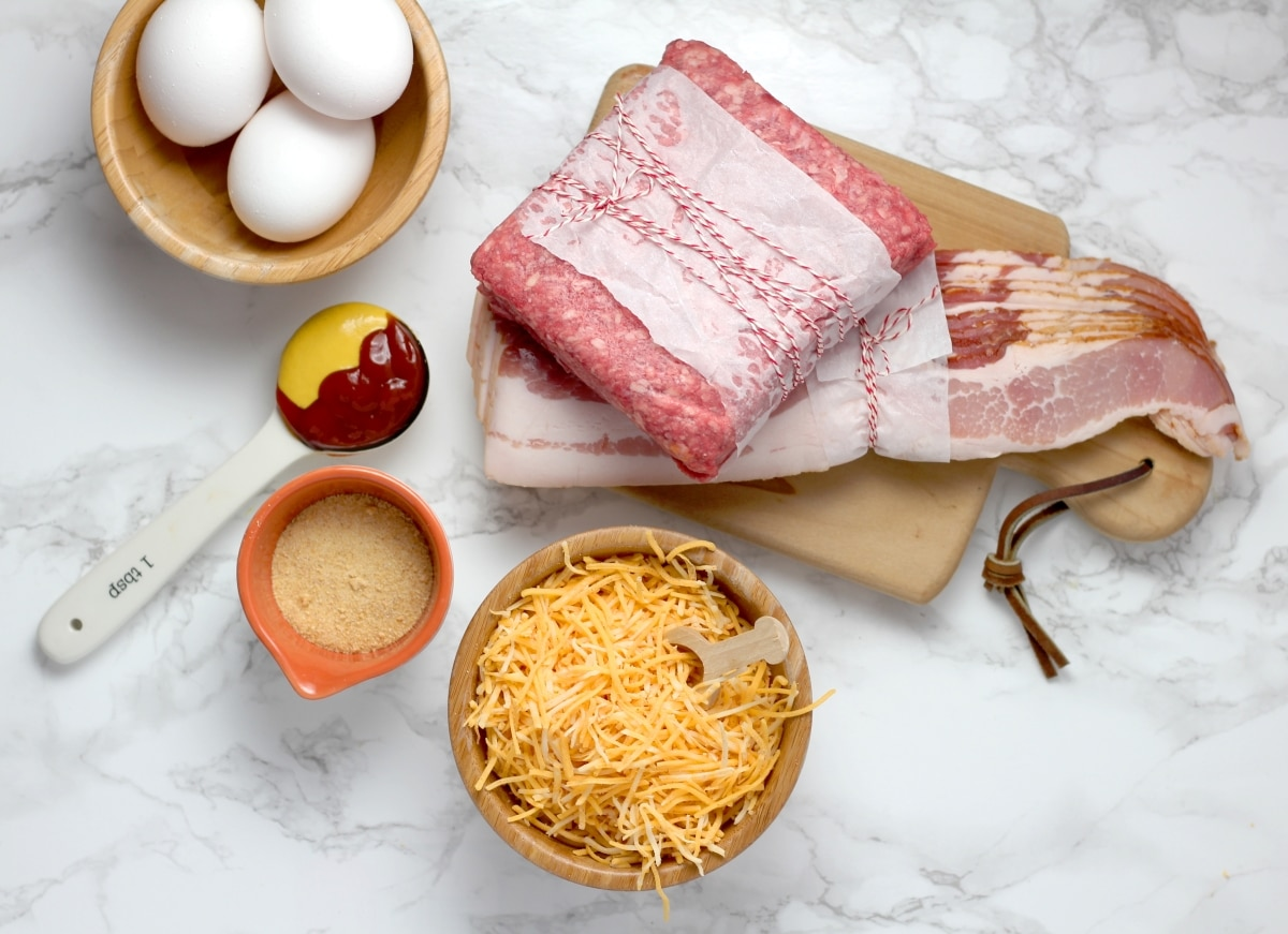 a photo of all the ingredients you need to make this low carb bacon cheeseburger casserole