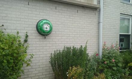 Feestje bij installatie AED rondeelstraat