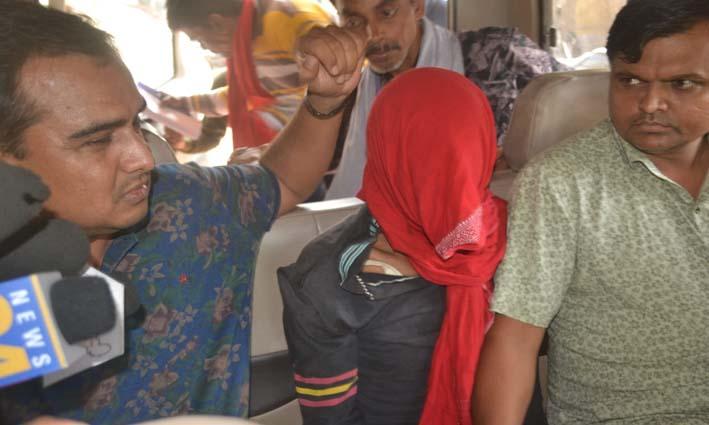 मासूम बच्ची के हत्यारे को गुजरात ले गई सूरत पुलिस