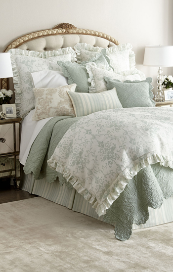 Amity Home Reeva Bedding Quilt