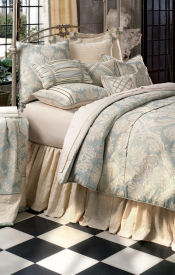 Eastern Accents Bedding Carlyle