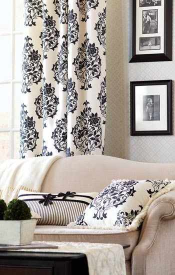 Eastern Accents Evelyn Bedding