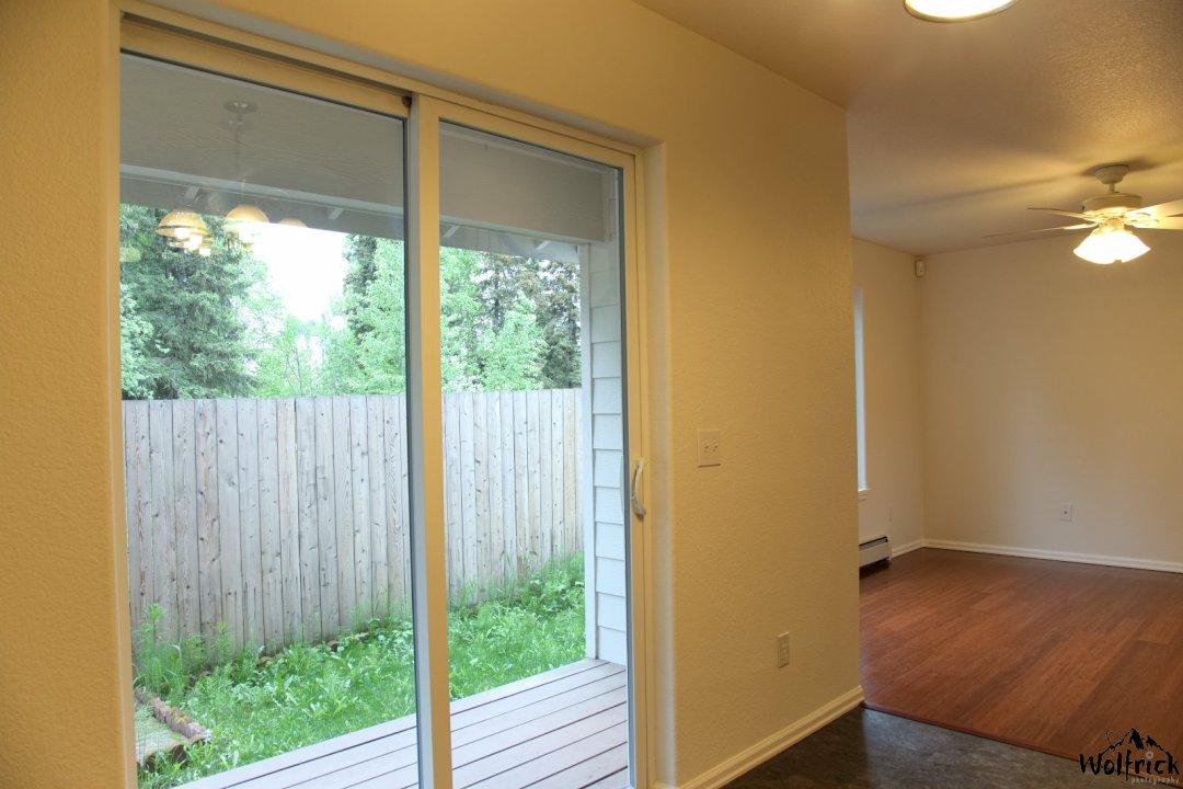 Alaskan Life Realty - 8389 Duben Ave (6)