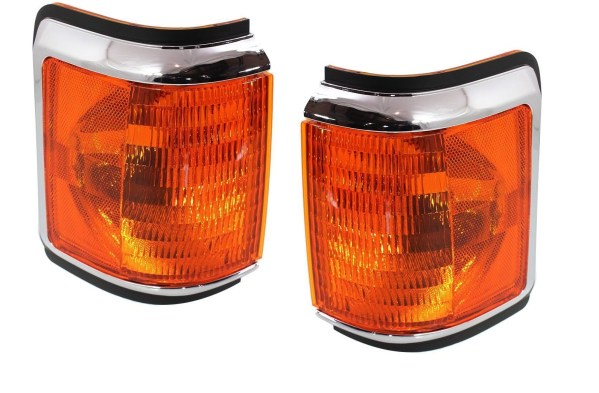 Coachmen Crown Royal Corner Turn Signal Lamps Unit Pair (Left & Right)