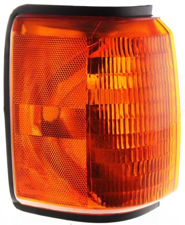 Country Coach Sedona Right (Passenger) Corner Turn Signal Lamp Unit