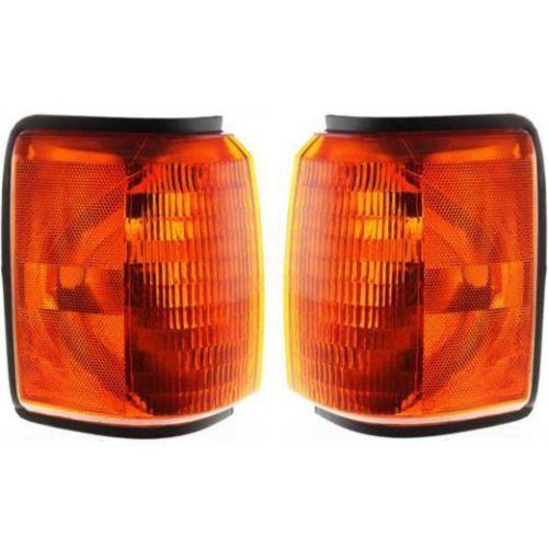 Fleetwood Bounder Corner Turn Signal Lamps Unit Pair (Left & Right)