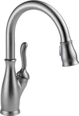 Delta Faucet 9178-AR-DST Leland Single Handle Pull-Down Kitchen Faucet with Magnetic Docking