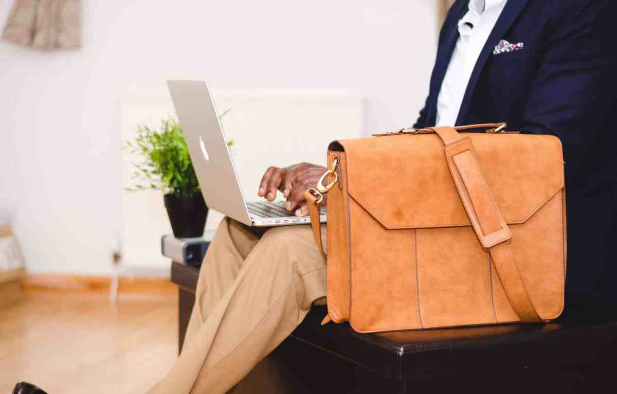 Top 10 Best Laptop Briefcases Review In 2021- A Step By Step Guide 1