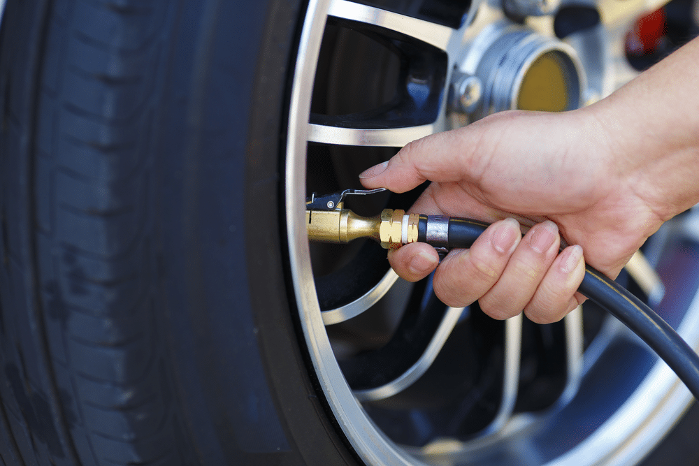 5 Reasons for Getting Tire Inflators with Gauges & Tire Gauges