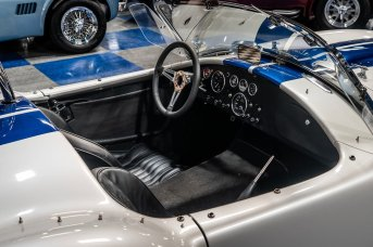 1965-cobra-superformance-mkiii-427sc-9