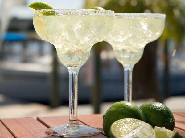 Margarita margarita-drink-beach