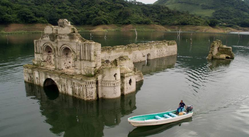 450 years old Mexican church emerges from water after drought