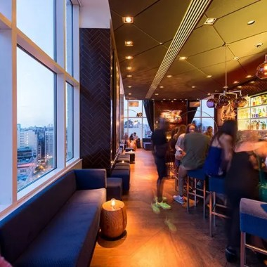 The Best NYC Hotel Bars That Locals Love